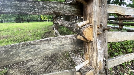 Ein Weidegatter aus Holz