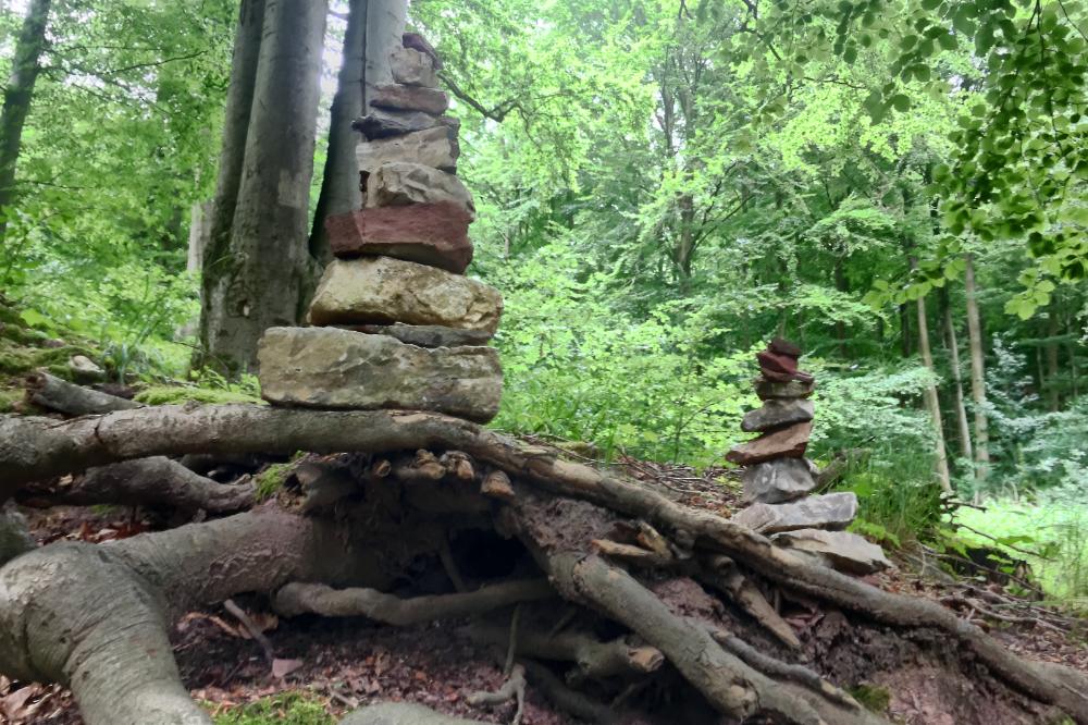 Türmchen aus Steinen