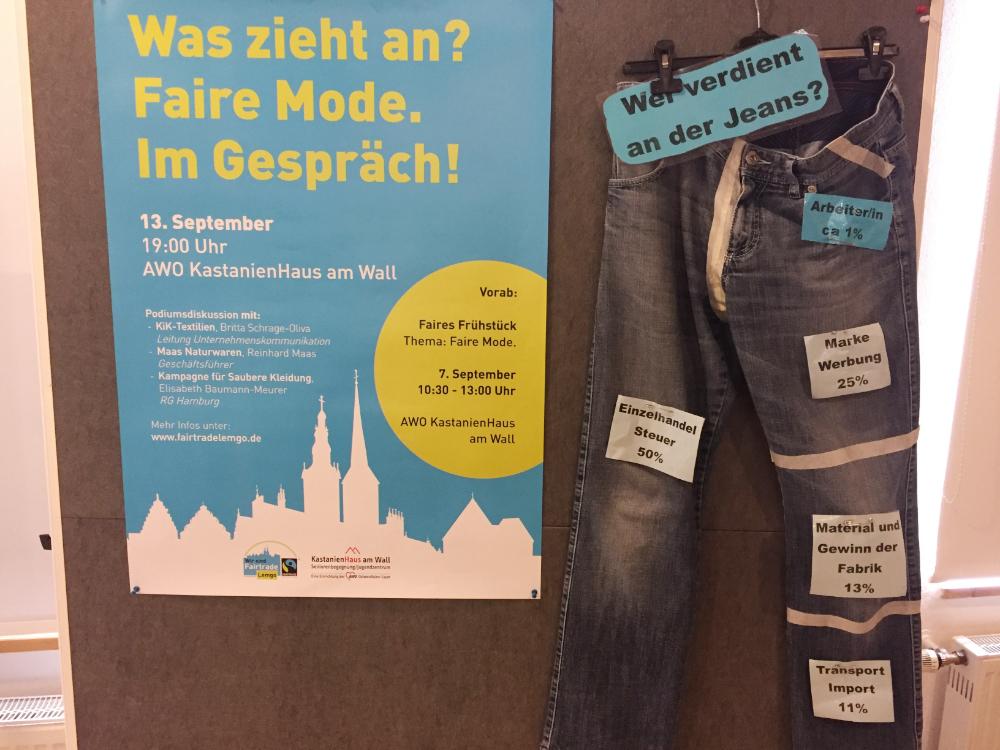 Ein Plakat und eine Jeans