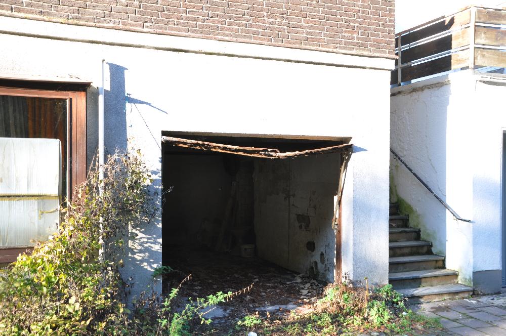 Schwalenberg: Eine etwas verfallene Garage