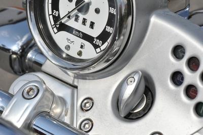 Das Armaturenbrett eines Motorrades