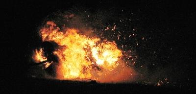 Ein brennendes Osterrad