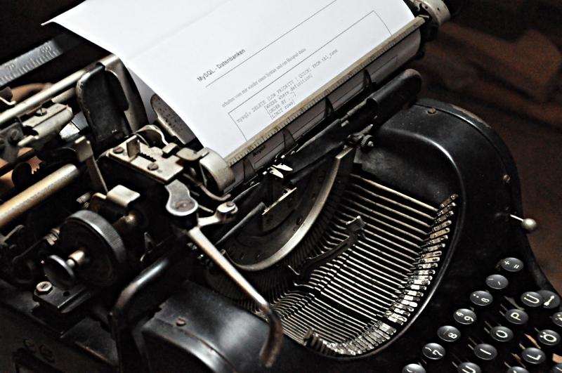 Eine alte, mechanische Schreibmaschine